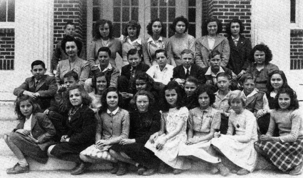 B.F.G. Class 1952 in 6h grade P 2